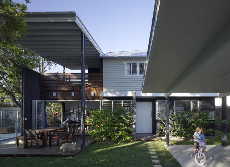 Rose Lane – Architecture in Blossom